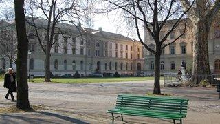 Le directeur de la Bibliothèque de Genève s'oppose à sa suspension
