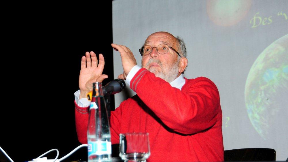 Michel Mayor sait trouver les mots pour passionner son auditoire.