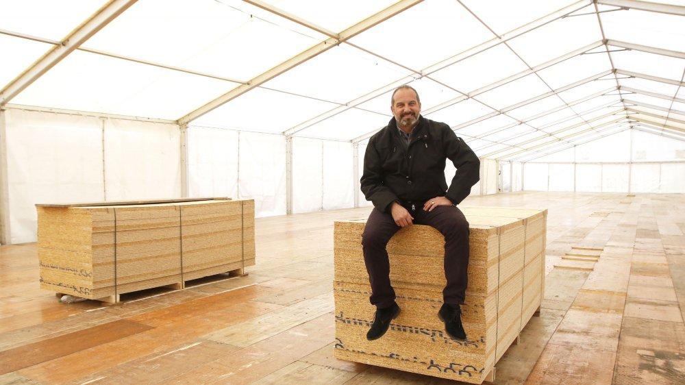 Dans le décor boisé de la tente, Richard Chassot n'a qu'une attente: que Divinum commence.