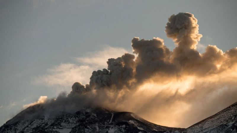 Chili: un volcan proche de l'éruption menace une zone très touristique