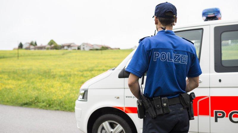 Le président des chefs des départements de justice et police appelle la Suisse à engager 2000 policiers supplémentaires et à créer une réserve de police nationale.