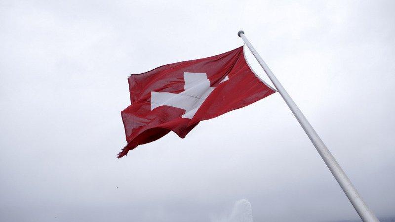 Une piste de ski sur un toit d'hôtel, un labo suisse dans l'affaire Skripal, les trains helvètes au top, l'actu suisse vue du reste du monde