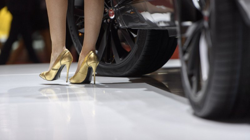 Il filmait sous les jupes des hôtesses du Salon de l'auto de Genève
