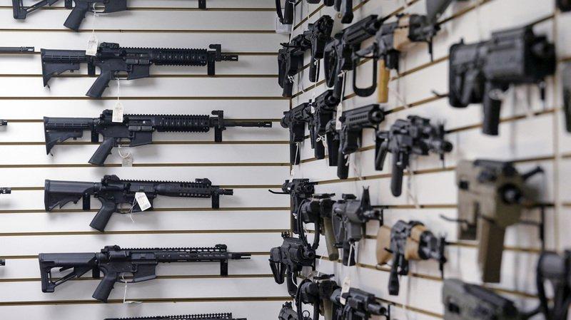 Le texte prévoit aussi de laisser passer une période de trois jours pour formaliser l'achat d'une arme.