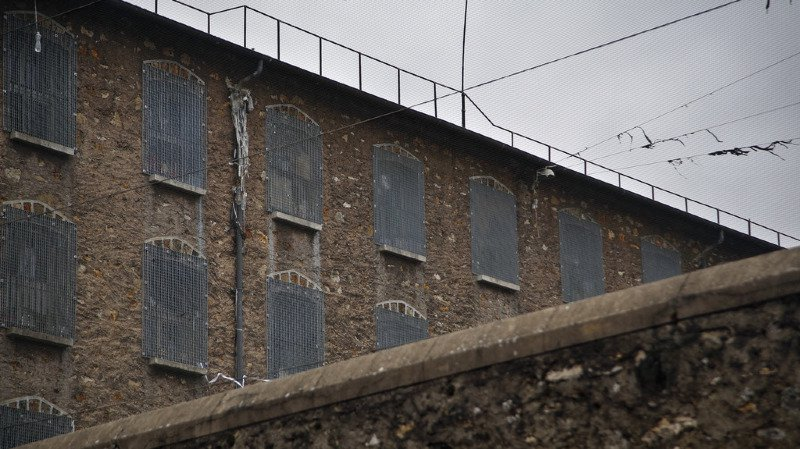 France: les individus condamnés à moins de 6 mois de prison vont pouvoir exécuter leur peine dehors