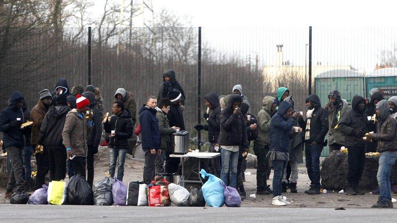 Selon le sous-préfet, il y a entre 300 et 350 migrants à Calais et ses environs. (Illustration)