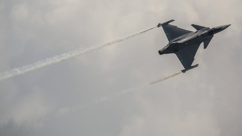Le peuple pourra voter sur l'achat des avions de combat mais pas sur le type de jet choisi.