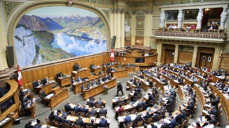 Suisse: pour une franchise ordinaire de l'assurance maladie à 400francs