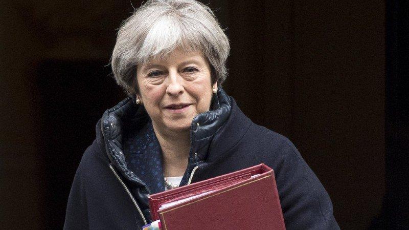 Grande-Bretagne: Theresa May accuse la Russie d'avoir empoisonné un ex-agent double