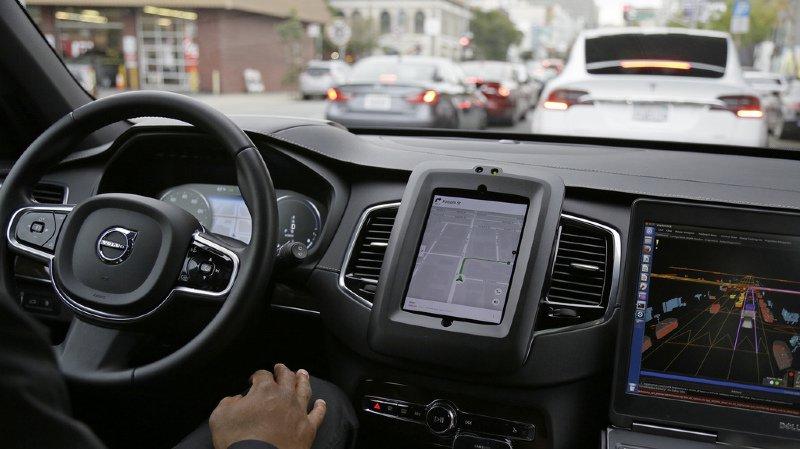 Après le décès d'une femme aux Etats-Unis, Uber suspend son programme de voitures autonomes