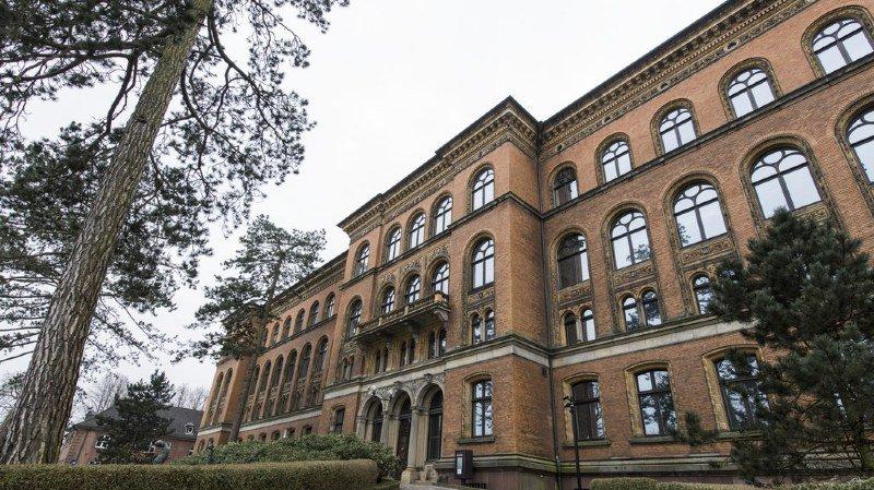 Extradition de Carles Puigdemont: la justice allemande ne prendra pas de décision avant Pâques