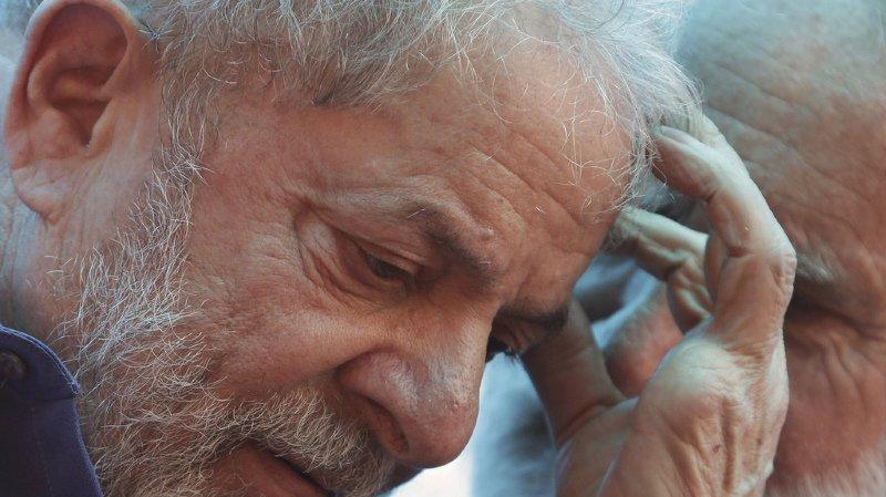 Brésil: un juge ordonne l'incarcération de l'ex-président Lula