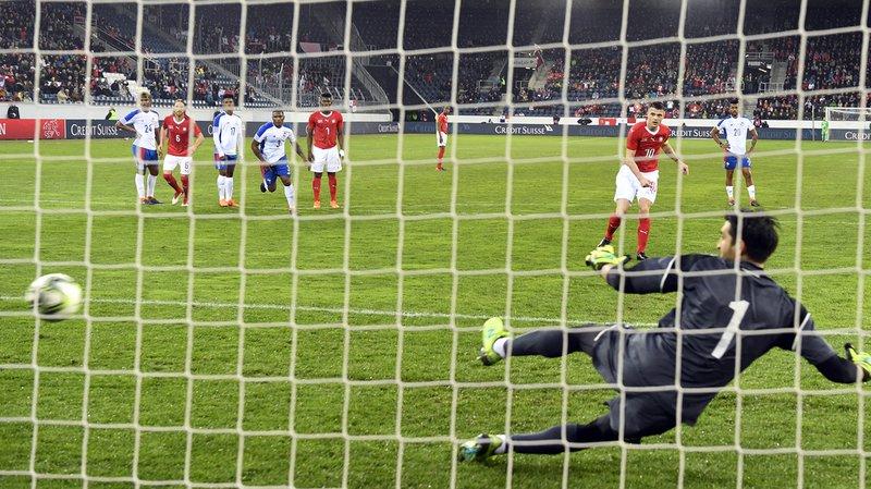 Le gardien de l'équipe panaméenne Jaime Penedo a eu fort à faire ce soir face à la Nati! Ici le deuxième but, marqué par Granit Xhaka sur penalty.
