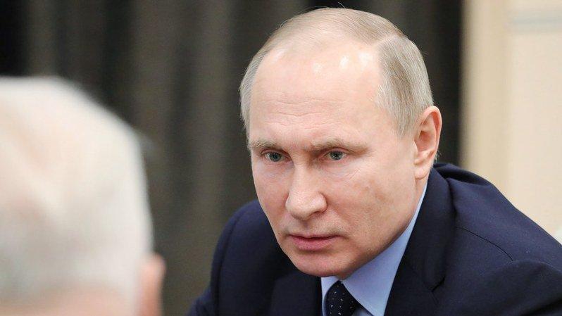Espionnage: perquisitions à bord d'un avion russe à Londres, Moscou s'indigne