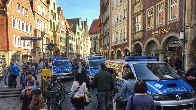 En direct: une voiture fonce dans la foule à Münster, en Allemagne: 4 morts