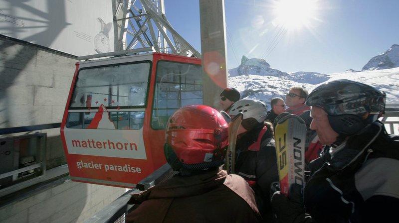 Les remontées mécaniques de Zermatt (VS) projettent la construction d'une télécabine entre le Petit Cervin et Testa Grigia.