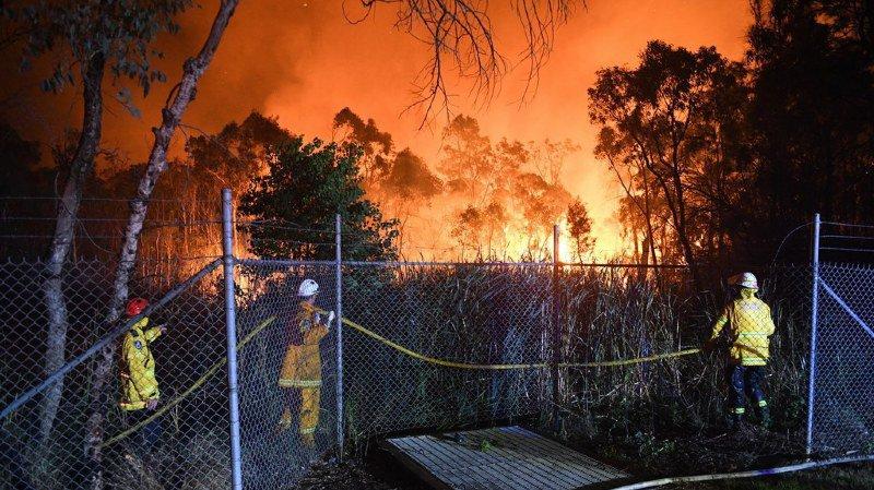 Australie: un énorme incendie de forêt fait rage près de Sydney