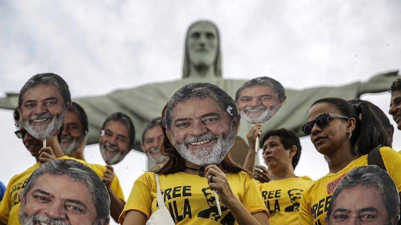 Depuis la prison, l'ancien président Lula confie être