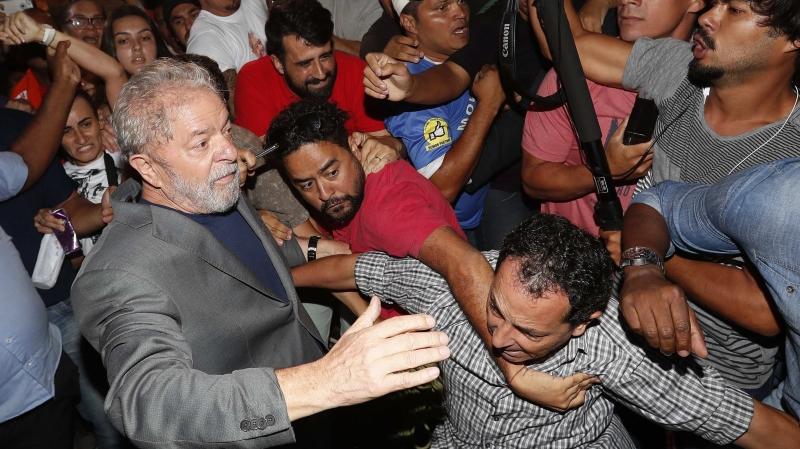 Lula pourrait finalement très vite sortir de prison