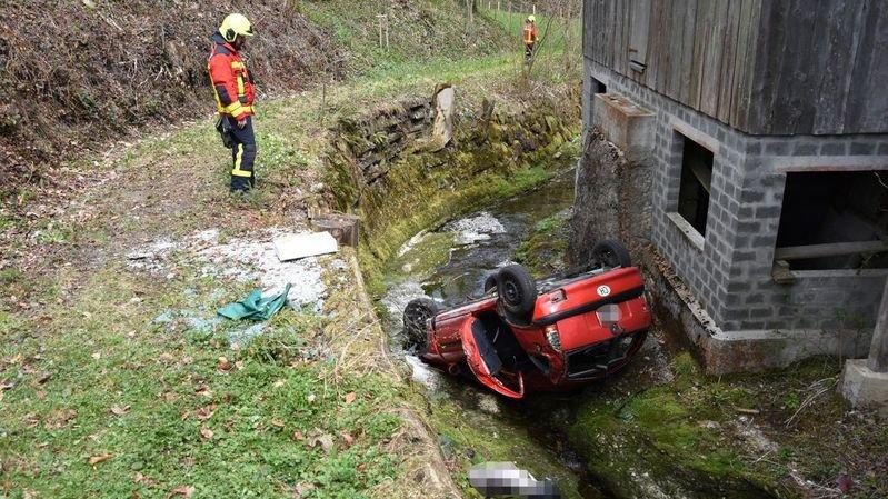 """La police cantonale saint-galloise a qualifié de """"miracle"""" le fait que l'homme n'ait pas été blessé."""