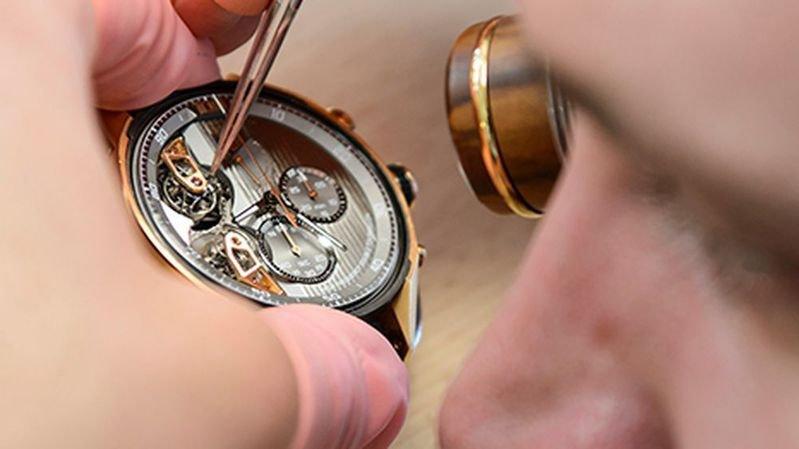 Hausse des salaires pour les employés de l'horlogerie.