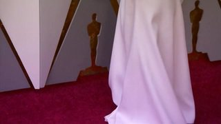 Les stars défilent sur le tapis rouge des Oscars