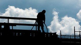 Des patrons vaudois, fribourgeois et valaisans lancent une carte pour lutter contre le travail au noir