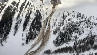 Riddes (VS): les recherches des skieurs disparus reprennent mardi