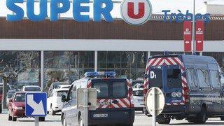 Prise d'otages meurtrière en France: Macron confirme une attaque terroriste à Trèbes