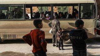 Les habitants fuient Douma