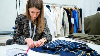 Dans la région, les ateliers de couture résistent bien