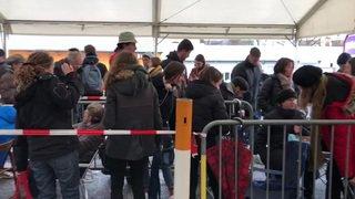 Des centaines de personnes sur le site du Paléo pour être sûres d'avoir un billet