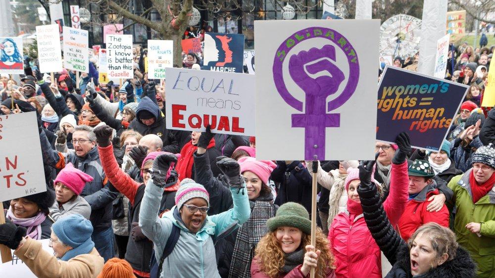 Selon Sylvie Durrer, directrice du Bureau fédéral de l'égalité, les femmes n'ont pour l'instant gagné que la bataille des valeurs  (ici, la Women's March du 21 janvier 2017, à Genève).