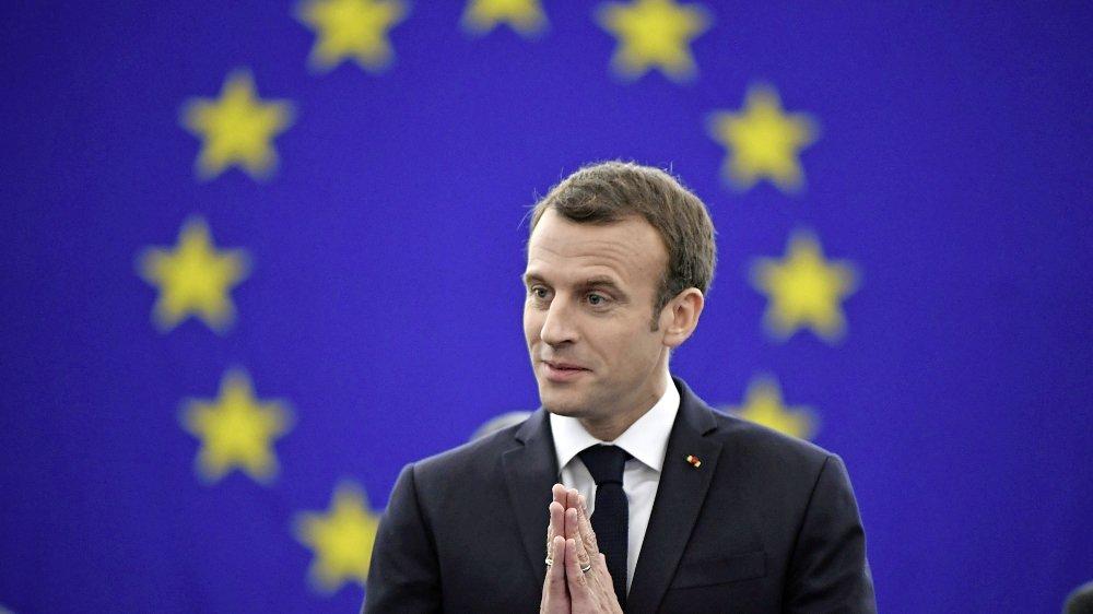 Selon un spécialiste des sondages, Emmanuel Macron «tient assez bien le choc».