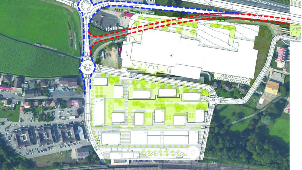 Le déplacement de la bretelle autoroutière actuelle (en rouge) plus au nord (tracé en bleu) doit permettre à l'entreprise Schenk de construire ses nouvelles infrastructures industrielles. Mais on compte aujourd'hui une vingtaine d'oppositions qui risquent de retarder les projets. c. bouachrine/google map