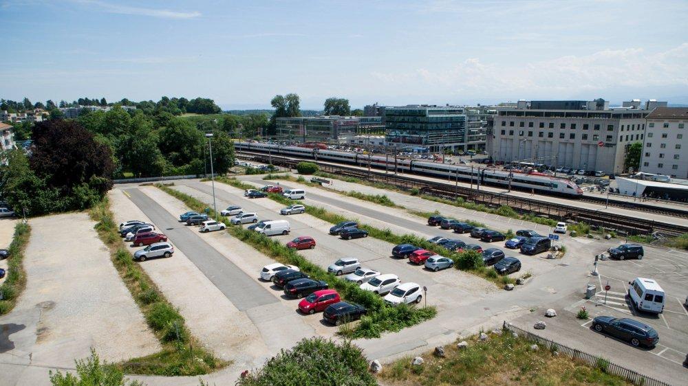 Le parking se trouve sur un terrain communal.