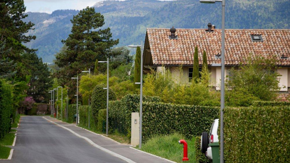 Pas moins de 66 nouveaux lampadaires et bornes lumineuses ont été installés à Founex.