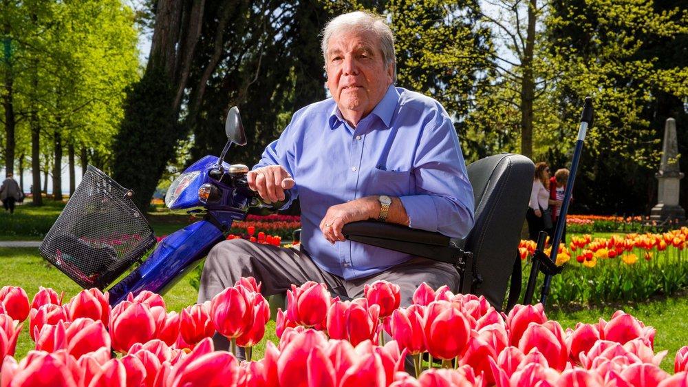 """Edy Bucher, responsable de l'initiative des tulipes """"Polio"""" dont la vente profite à la vaccination contre la polio dans le cadre de la Fête de la Tulipe au Parc de l'indépendance à Morges ."""