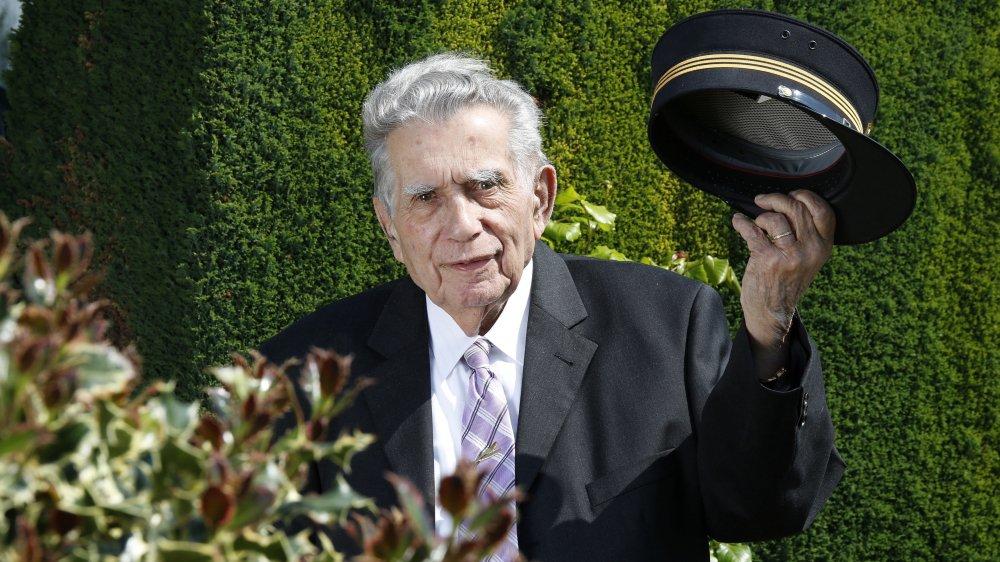 Morges, Samedi 5 Mai 2018: Jean-Paul Paquier pose avec sa casquette des CFF à l'occasion de ses 90 ans.