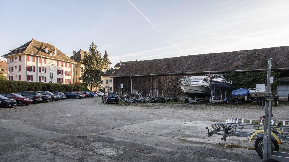 Si de nombreuses modifications ont été apportées au projet, le site envisagé reste le même: une parcelle de la zone Perdtemps-Usteri qui appartient à la Ville.