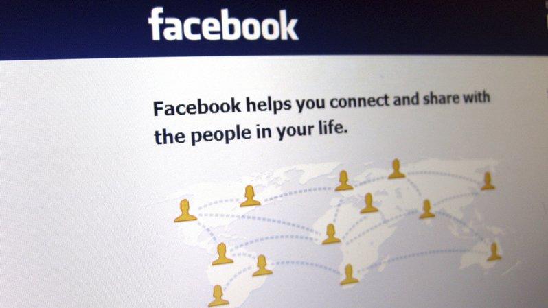 Sur les réseaux sociaux, des algorithmes personnalisent le contenu que nous lisons.