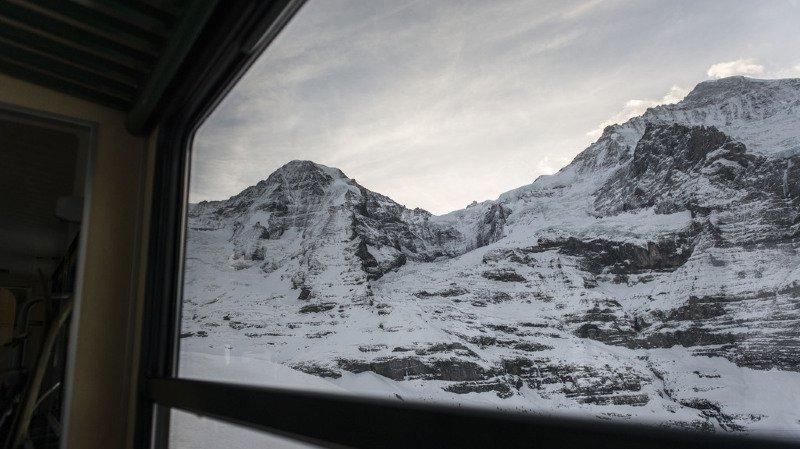Valais: deux jeunes alpinistes suisses meurent de froid et d'épuisement dans la région du Mönch