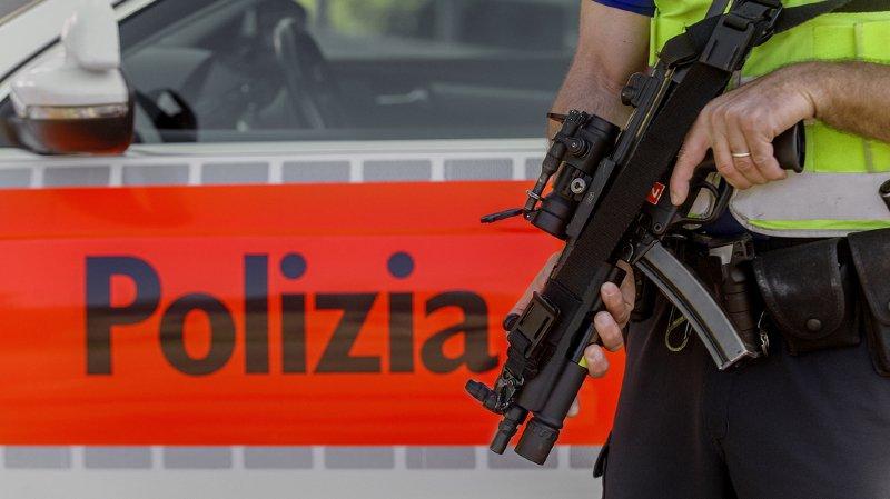 Tessin: un jeune Suisse de 19 ans menace de tuer plusieurs personnes dans une école, des armes saisies