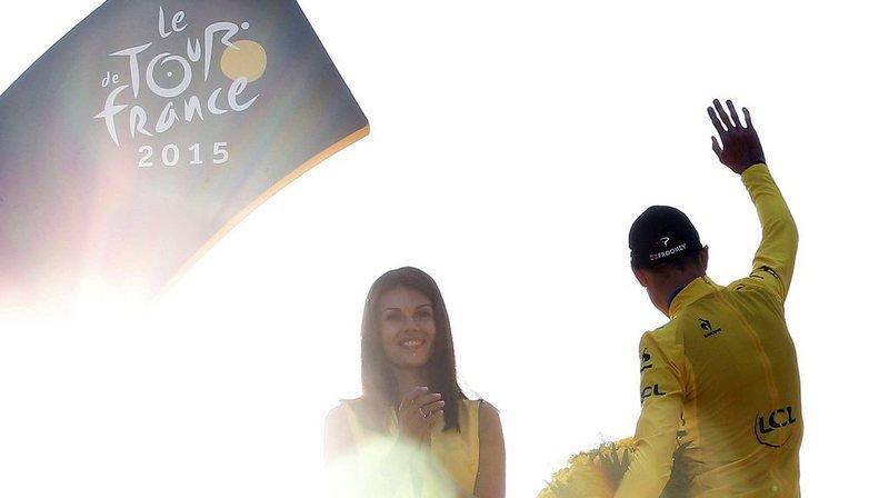 """Tour de France: Paris ne veut plus d'hôtesses """"potiches"""" sur les Champs-Elysées"""
