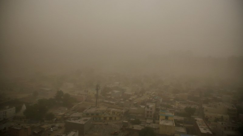 Au moins 77 personnes sont mortes et 143 ont été blessées dans des tempêtes de sable dans le nord de l'Inde dans la nuit de mercredi à jeudi.