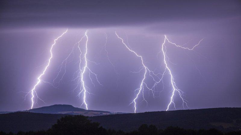Météo: de violents orages ont balayé la Suisse mardi soir, la région de La Côte touchée par la grêle
