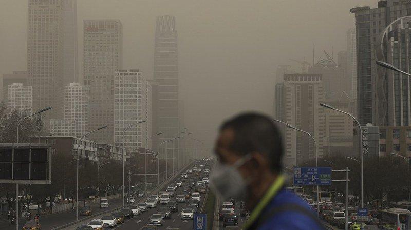 Plus de 3 milliards de personnes, soit 40% de la population, utilisent encore des poêles et des carburants aux fumées potentiellement mortelles dans leurs maisons.