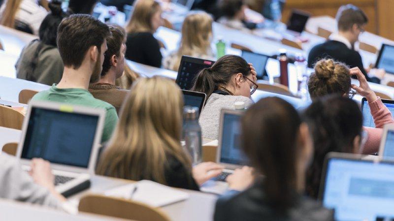 L'Office fédéral de la statistique (OFS) a publié mardi quelques chiffres-clé d'une étude menée auprès de 78'000 élèves entre 2011 et 2016. (illustration)
