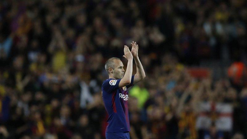 Football: dix-huit blessés légers lors d'une interview d'Iniesta à Barcelone
