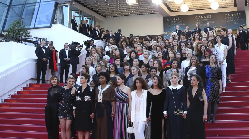Festival de Cannes: 82 femmes gravissent les marchent dans une soirée qui leur est dédiée
